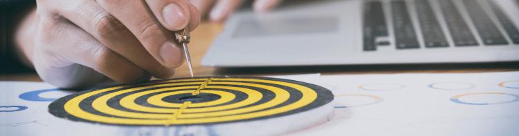 Use um hotspot para criar uma base de dados real dos seus clientes e se comunicar melhor vender mais e fidelizar seus clientes com Wi-Fi Marketing.